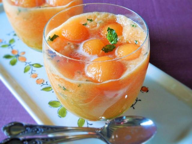 Soupe de melon glacée à lamenthe