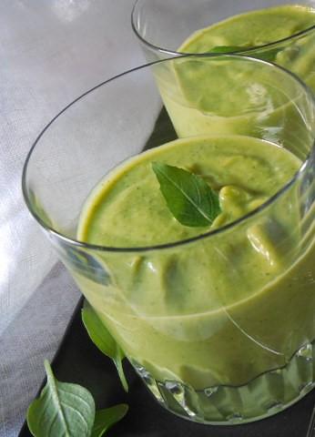 soupe-froide-de-courgettes-basilic (6)