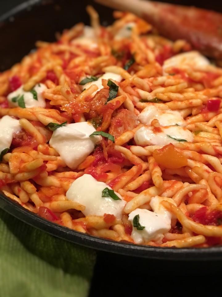 pates-au-thon-poivron-basilic-et-mozzarella (10)