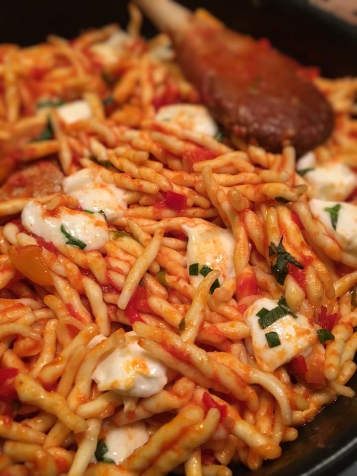 pates-au-thon-poivron-basilic-et-mozzarella (8)