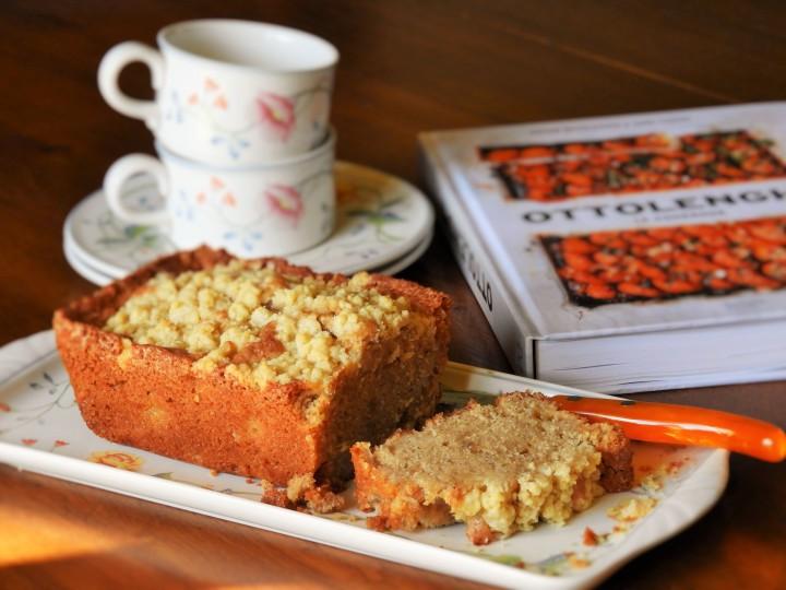cake-crumble-pomme-poire-de-ottolenghi (1)