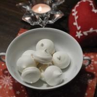 Mini meringues (à la française)