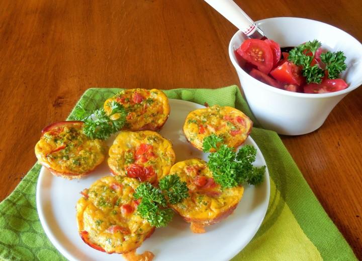 Eggs muffins persillés