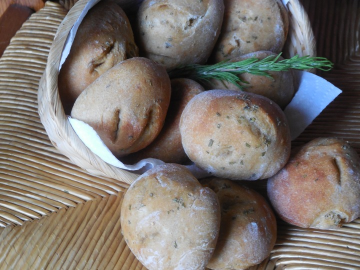 Petits pains au thym etromarin