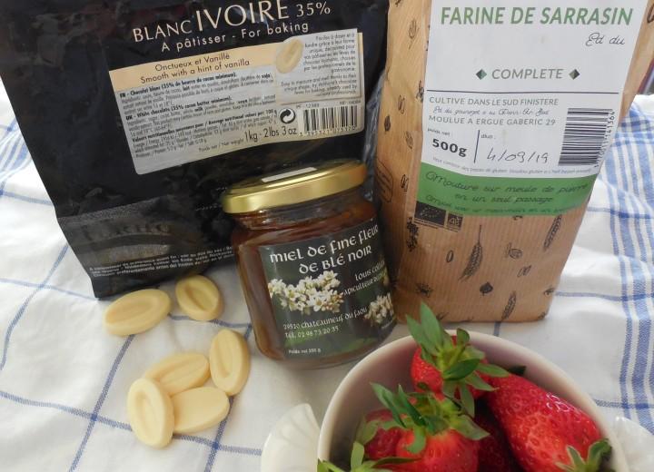 millefeuille-croquant-au-sarrasin-chocolat-fraise (1)