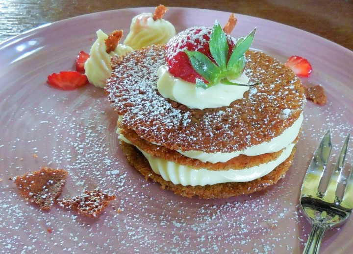 millefeuille-croquant-au-sarrasin-chocolat-fraise (6)