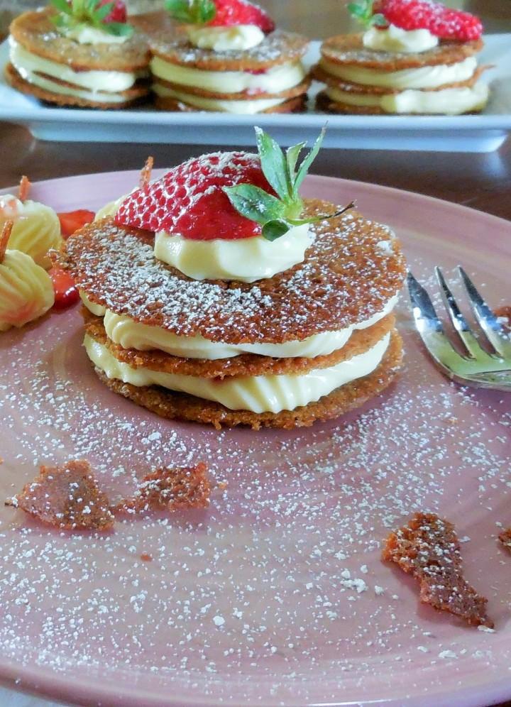 millefeuille-croquant-au-sarrasin-chocolat-fraise (8)
