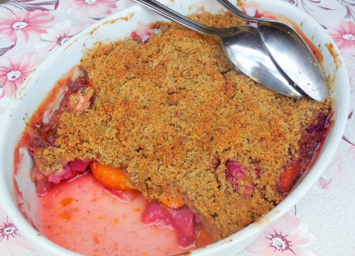 crumble-aux-fruits-dete (3)