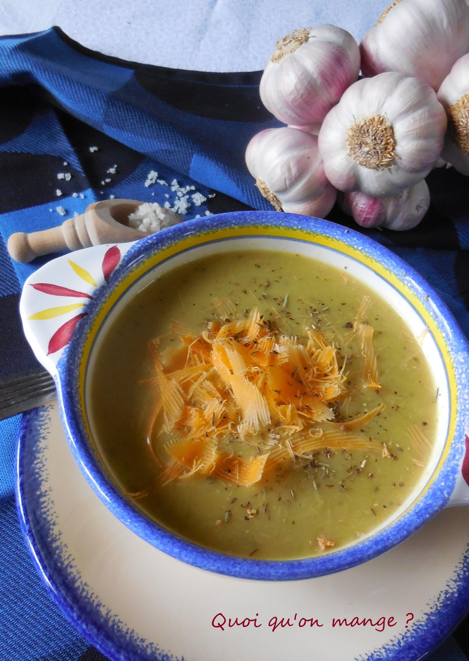 Soupe de poireaux à la crème d'ail