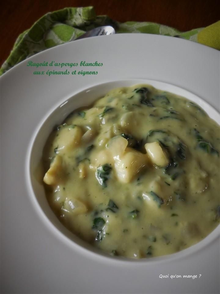 Ragoût d'asperges blanches aux épinards et oignons