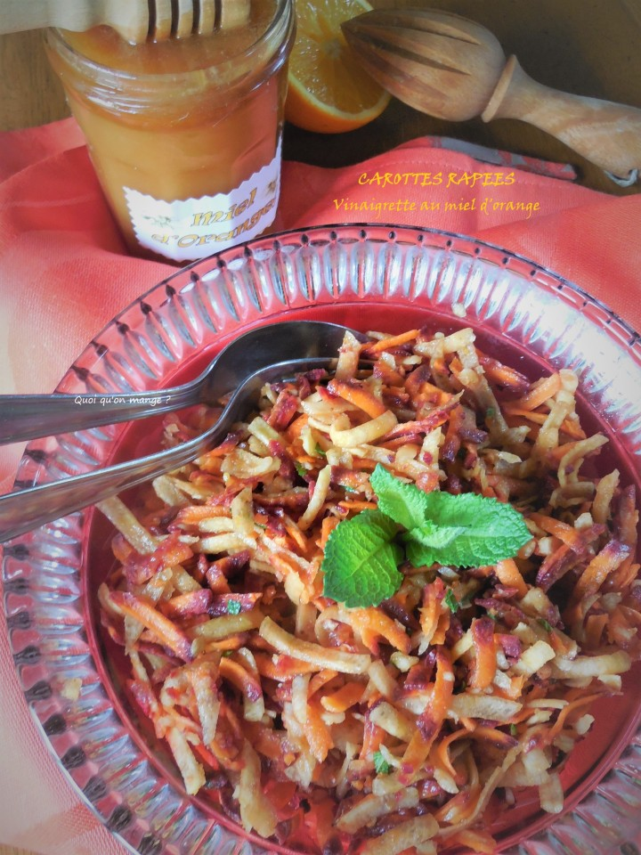 Carottes multicolores râpées, vinaigrette à l'orange et miel d'orange à la menthe