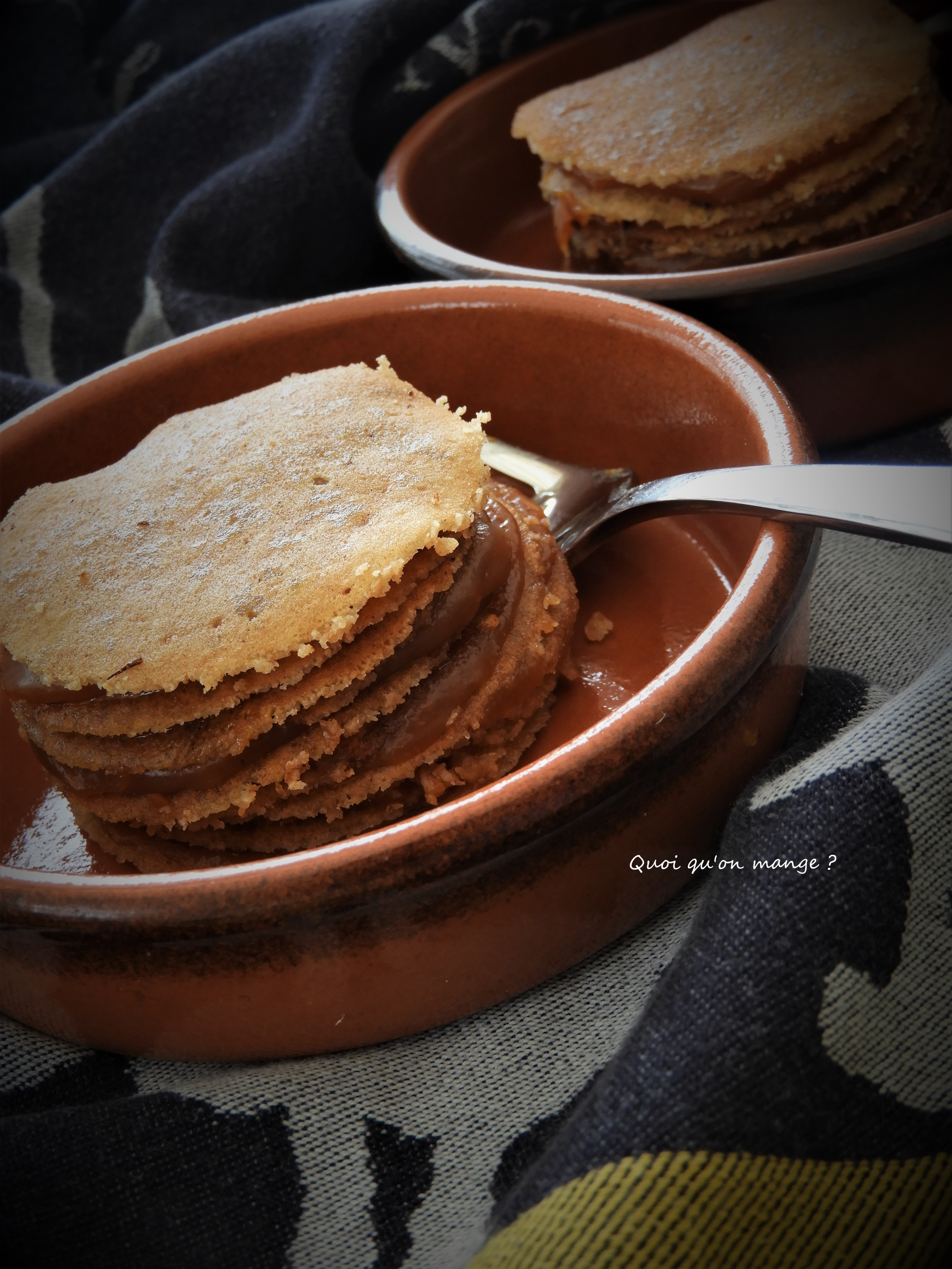 Petit gâteau de crêpes fourré de caramel au beurre salé