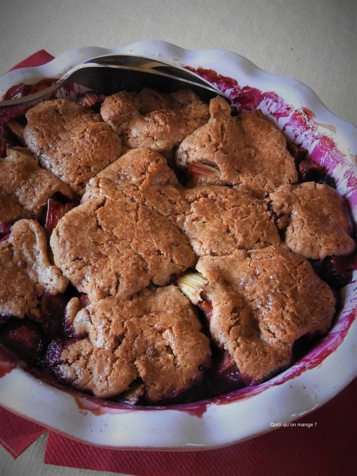 Gâteau rustique rhubarbe et cassis, comme unpandowdy