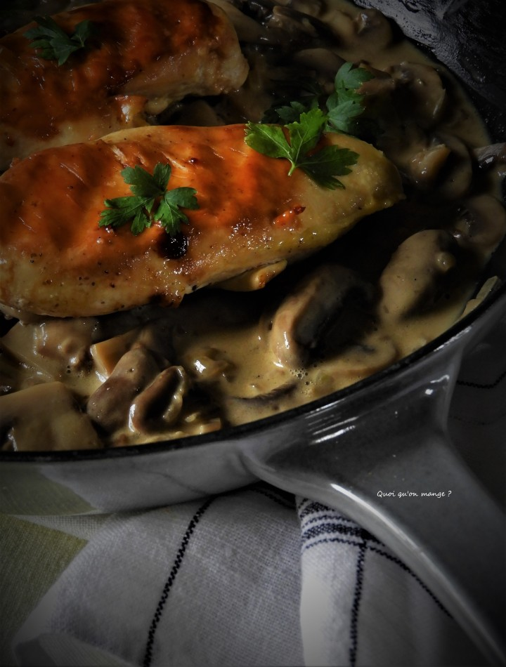 Suprêmes de poulet aux champignons