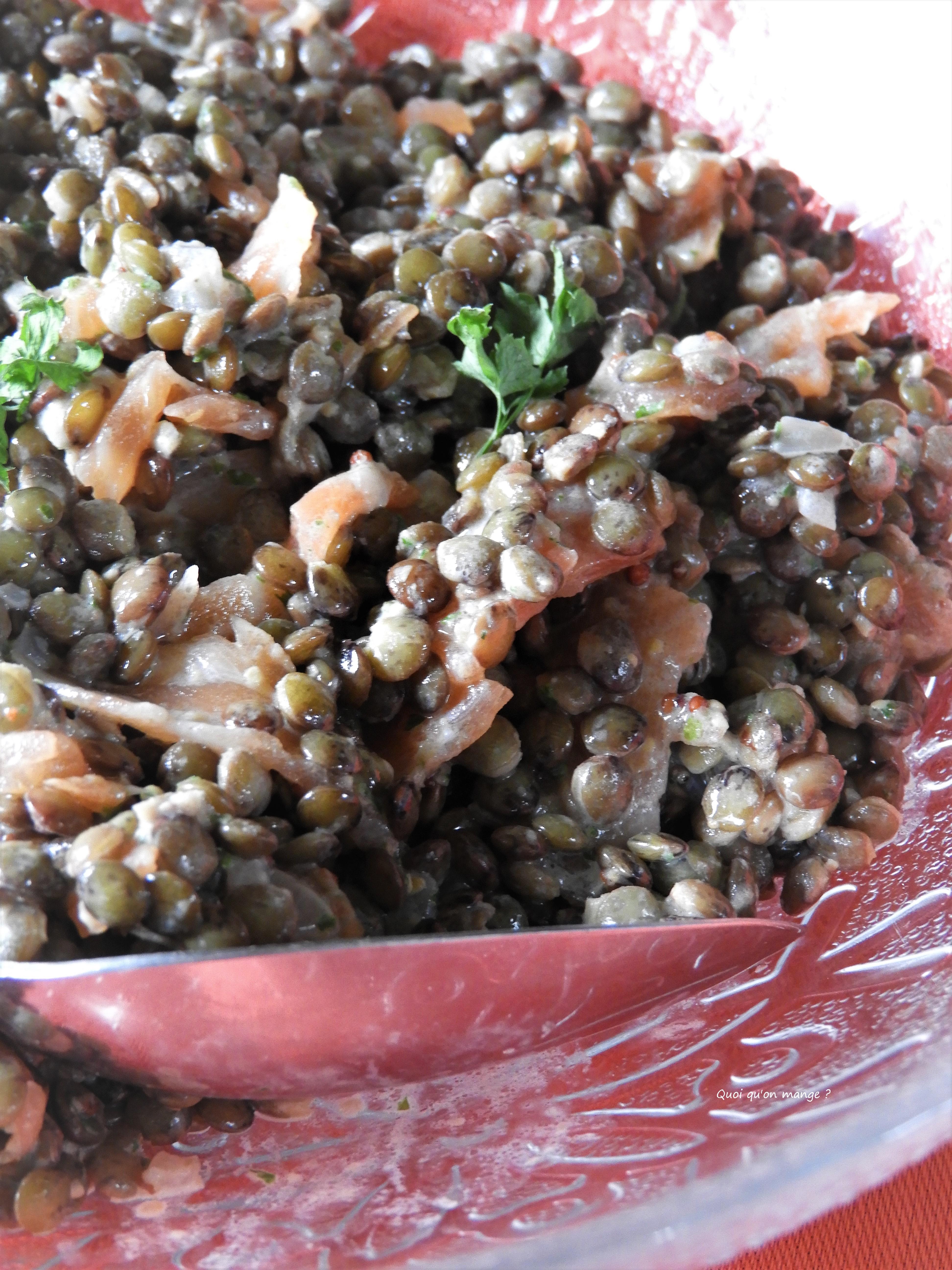Lentilles sancerroises et saumon fumé en salade