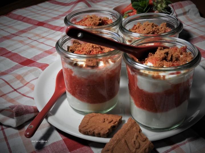 Verrines fraises, crumble spéculoos