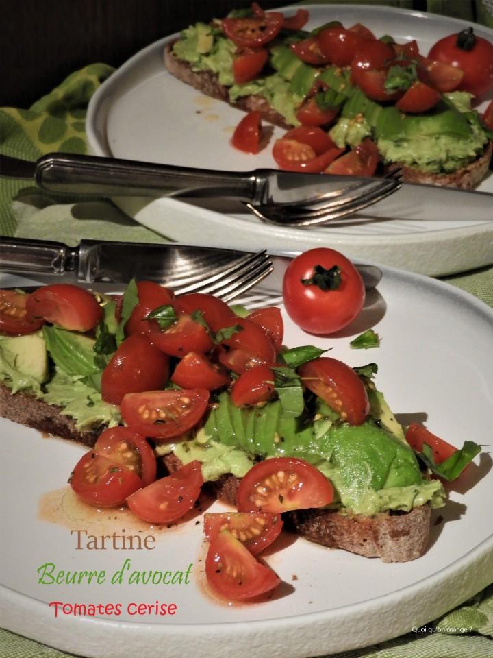 Tartine beurre d'avocat et tomatescerise