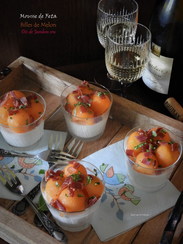 Mousse de feta, billes de melon et dés de jamboncru