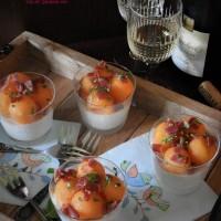 Mousse de feta, billes de melon et dés de jambon cru