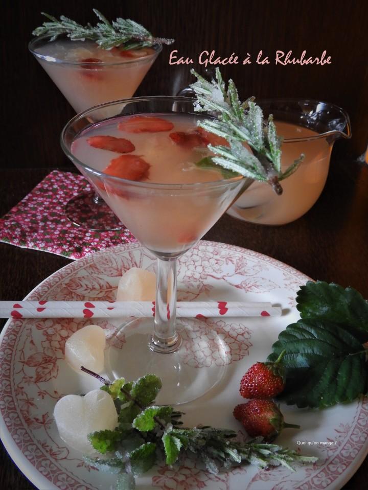 Eau glacée de rhubarbe